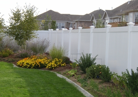 Solid Privacy Vinyl Fence - Saratoga